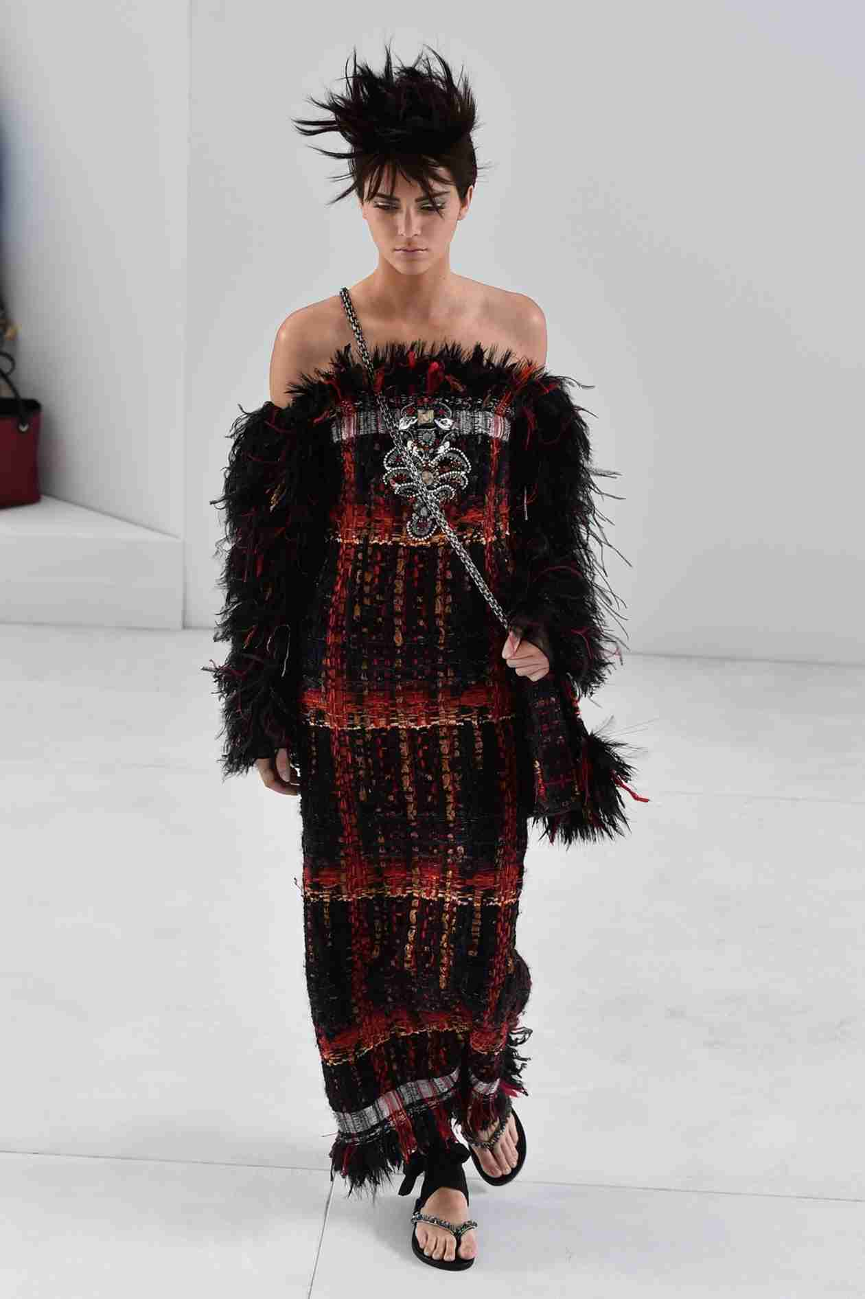 Kendall Jenner: Nearly Unrecognizable in Chanel Runway Show (VIDEO)