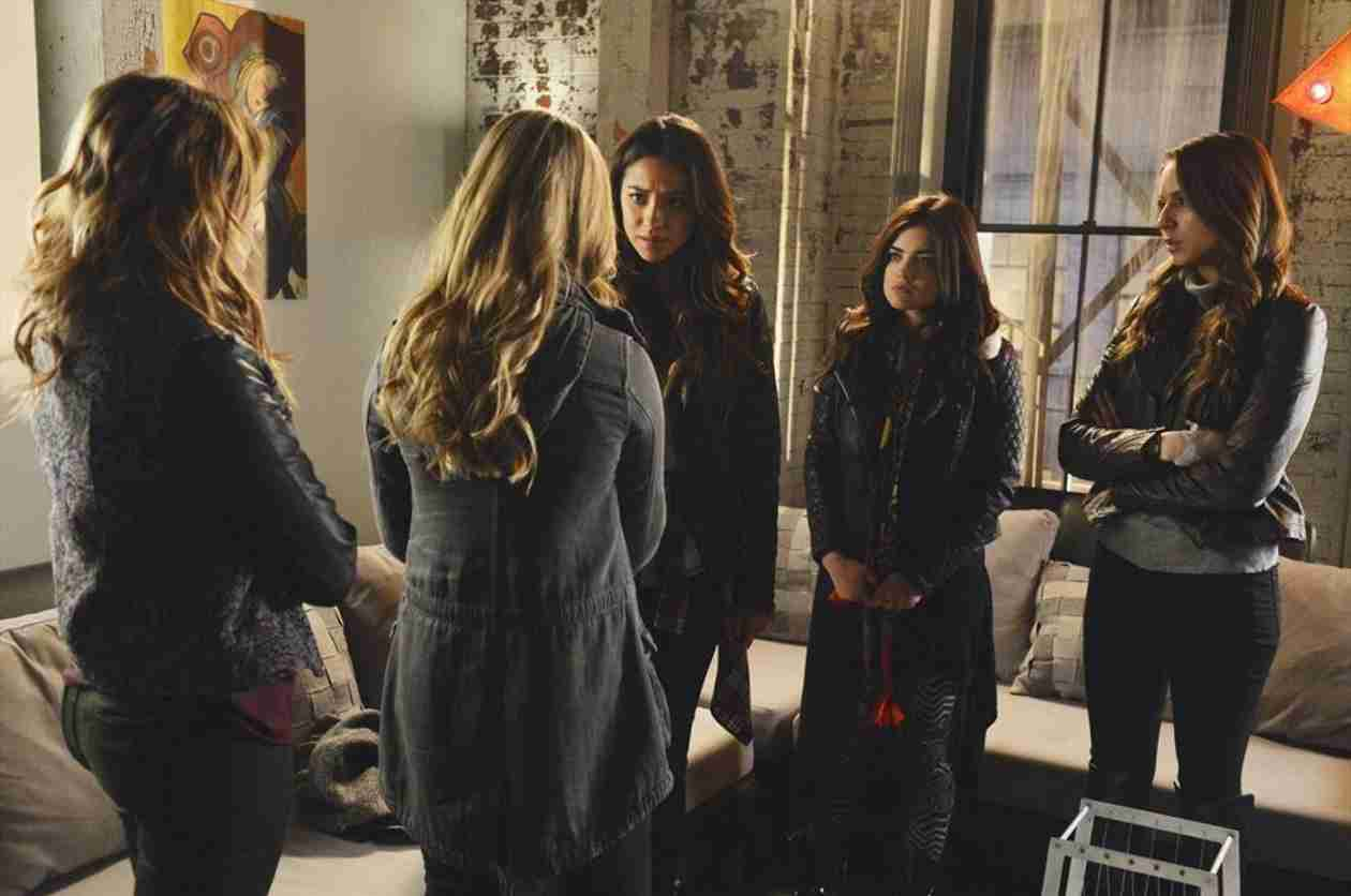 Our 5 Favorite Pretty Little Liars Moments in Honor of the 100th Episode