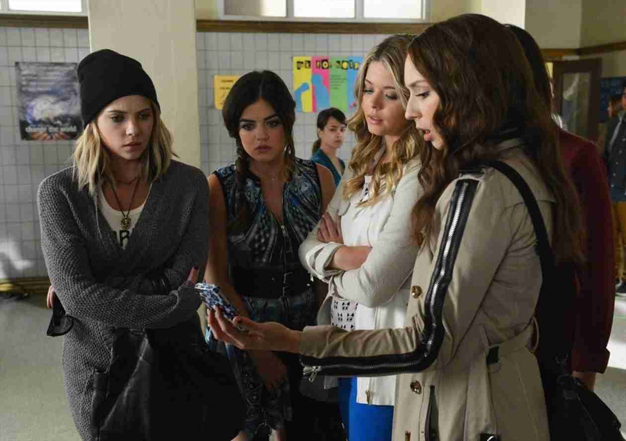 """Who Is """"A""""? Our Top 4 Suspects From Pretty Little Liars Season 5, Episode 6"""