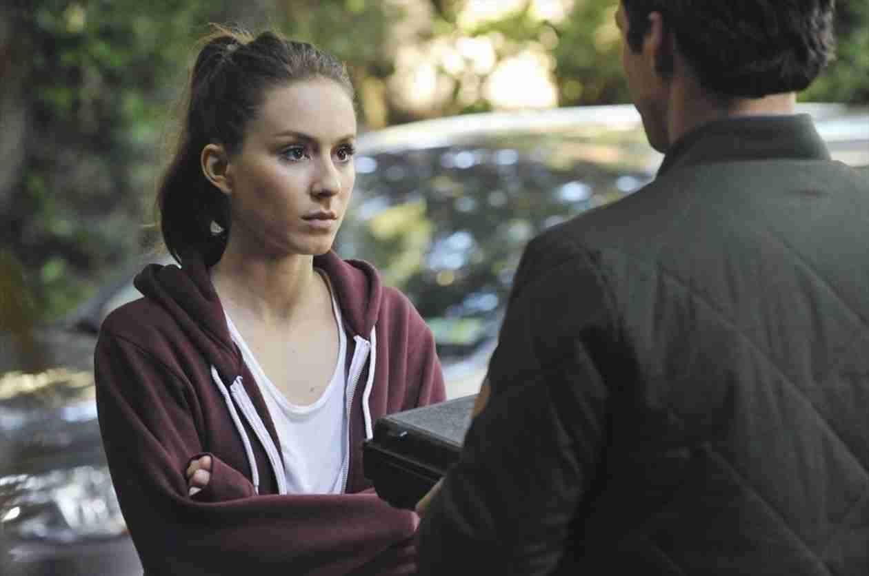 Pretty Little Liars Season 5, Episode 7 Sneak Peek: Spencer and Ezra Team Up (VIDEO)