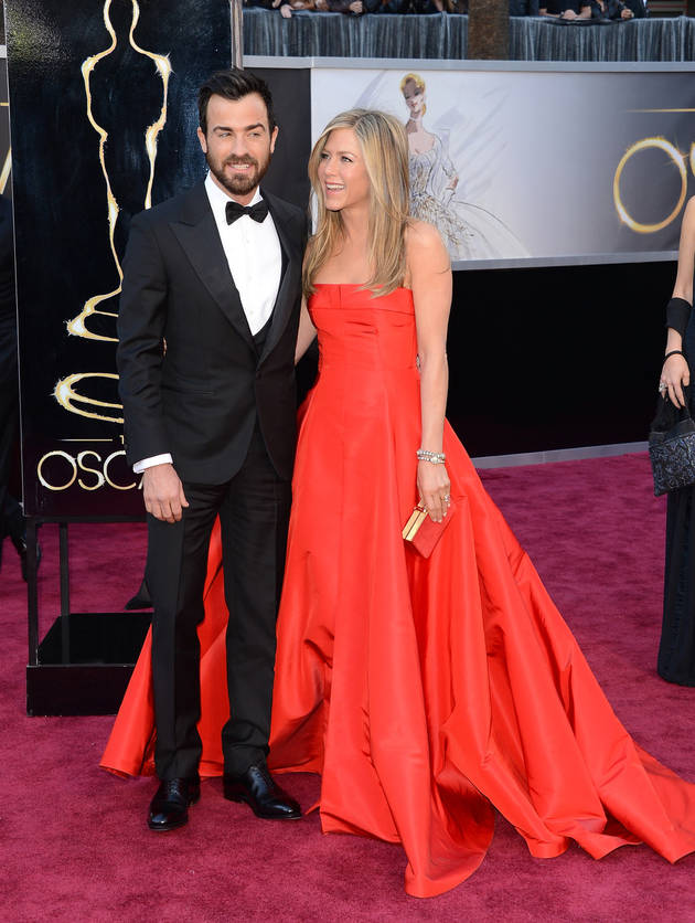 "Justin Theroux On His High Profile Relationship With Jennifer Aniston: ""It Doesn't Feel Difficult"" (VIDEO)"