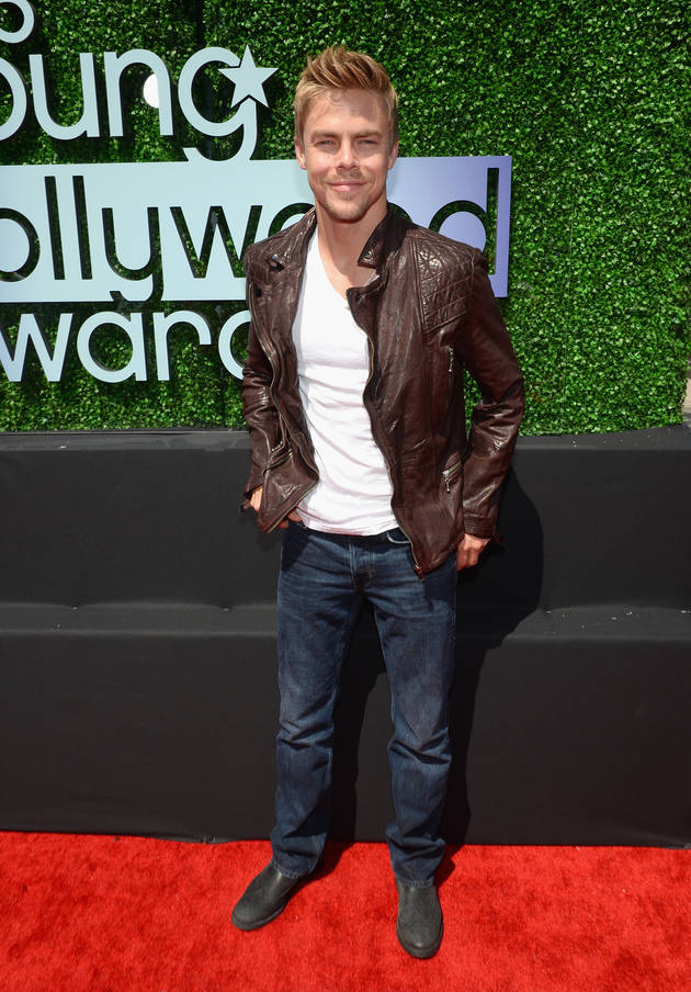 Derek Hough Wins Hottest Body, Performs at 2014 Young Hollywood Awards