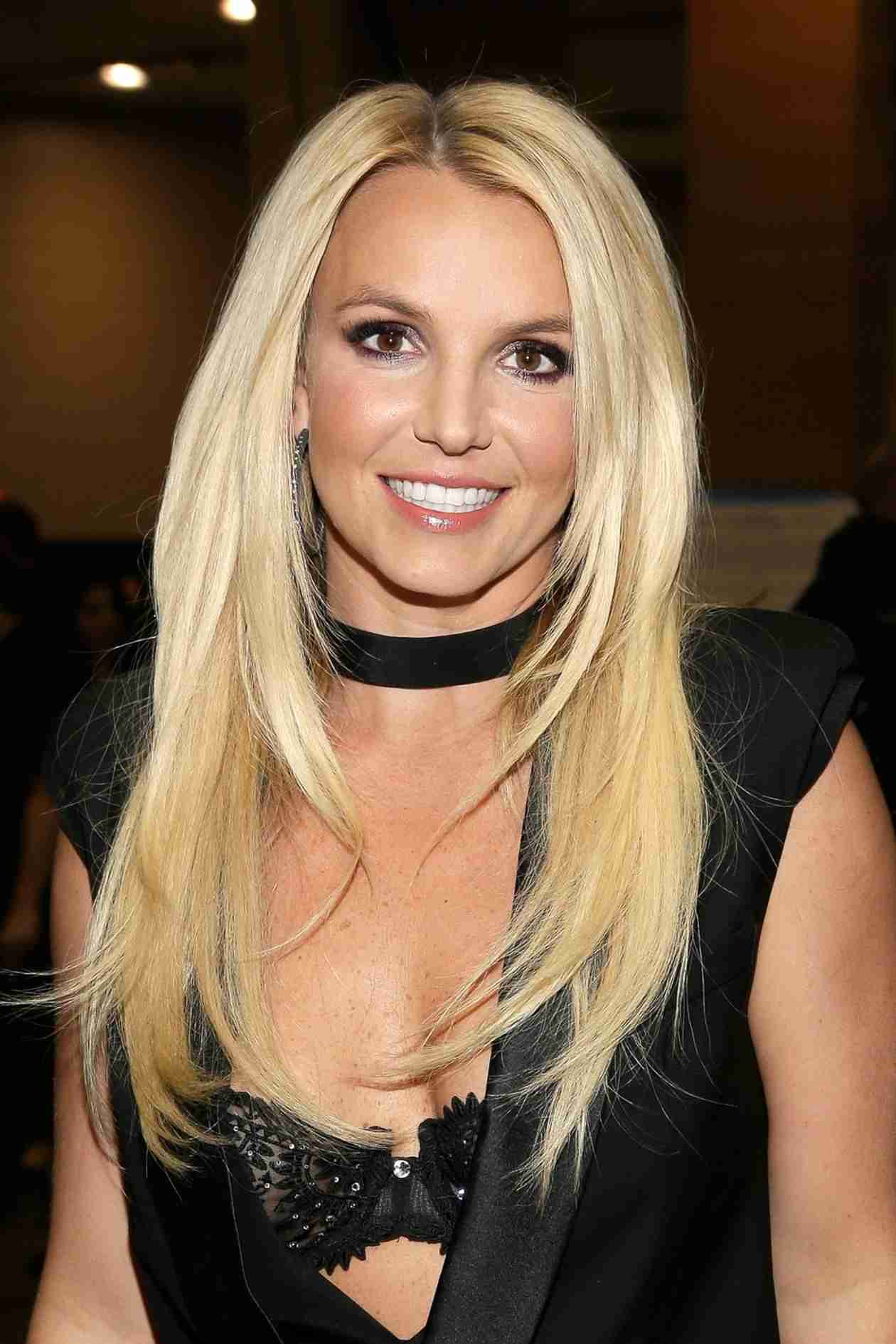 Britney Spears Is Launching a Lingerie Line! (VIDEO)