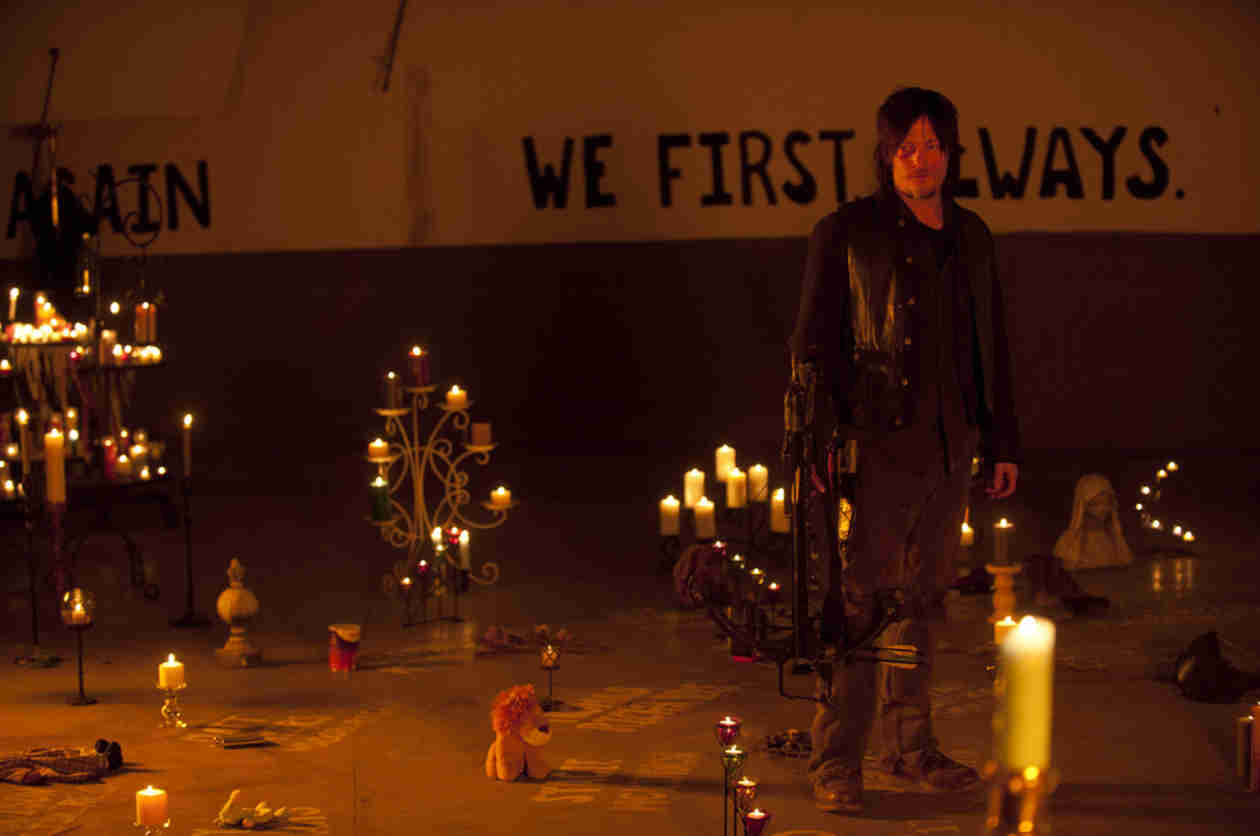 """The Walking Dead Season 5 Summed Up in One Word, Plus Cryptic New """"Sanctuary"""" Tease"""