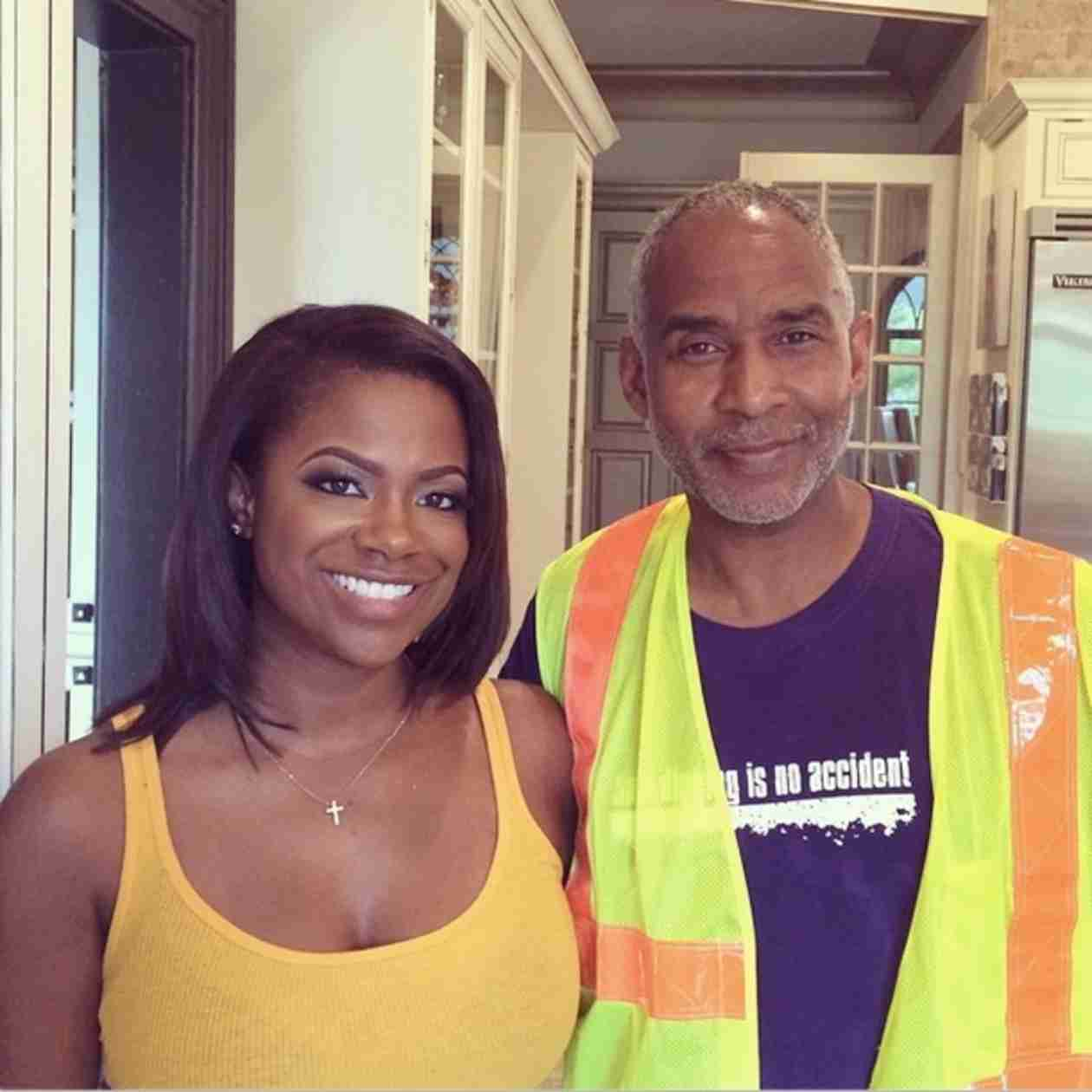 Kandi Burruss' House Loses Power
