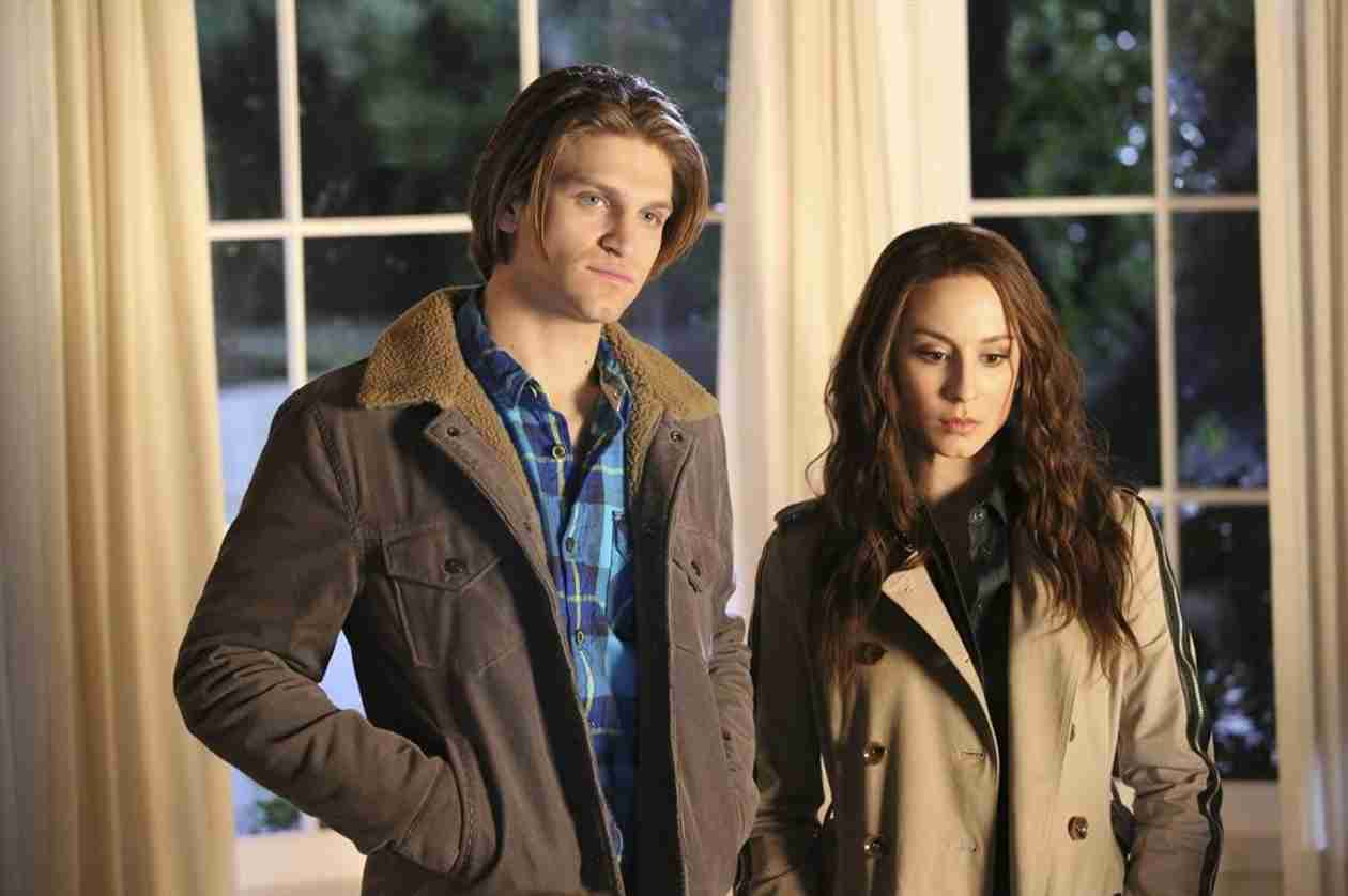 Pretty Little Liars Season 5 Spoilers — Who Is James Neilan? Is He Toby's Twin?! (PHOTO)