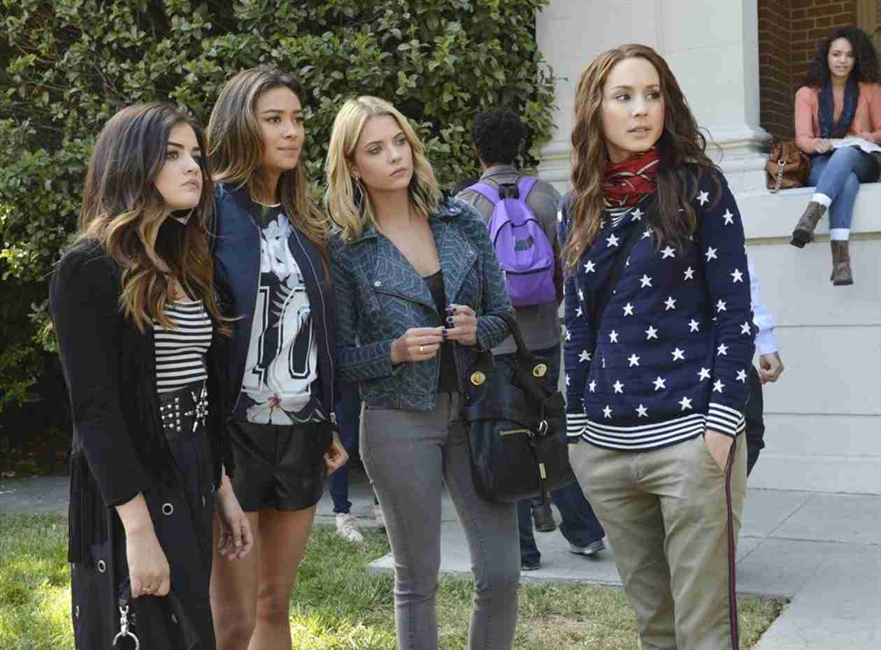 "Pretty Little Liars 100th Episode Spoiler: Something ""BIG"" Happens at the End"