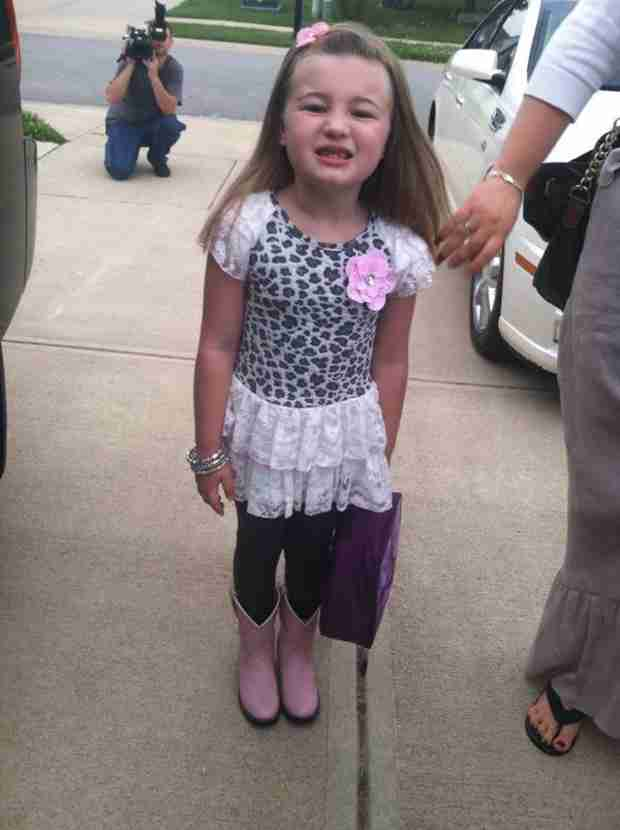 Leah Shirley's First Day of Kindergarten Caught on Camera! (PHOTO)