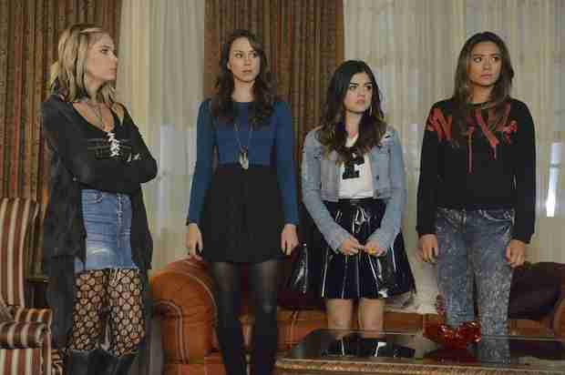"Pretty Little Liars Spoilers: Marlene King Teases Fatal Summer Finale — It's a ""Dark Turn"" For the Show"