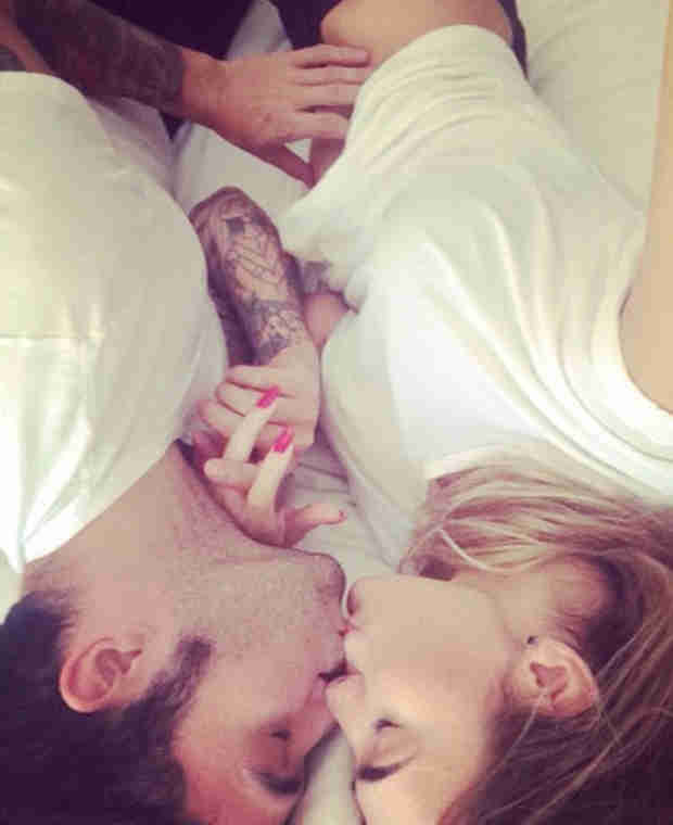 Pete Wentz Welcomes Baby Boy With Model Girlfriend! His Name Is… (VIDEO)