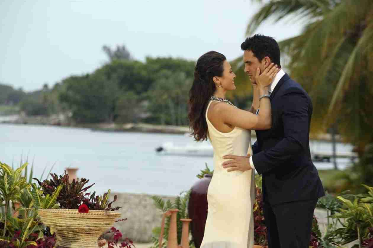 Andi Dorfman Gives Wedding Details: Location, the Dress, and the Honeymoon!