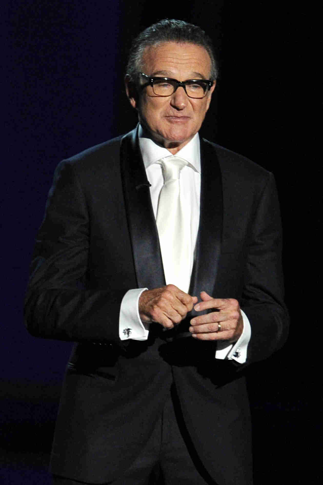 2014 Emmys: Billy Crystal's Robin Williams Eulogy Brings Him to Tears (VIDEO)