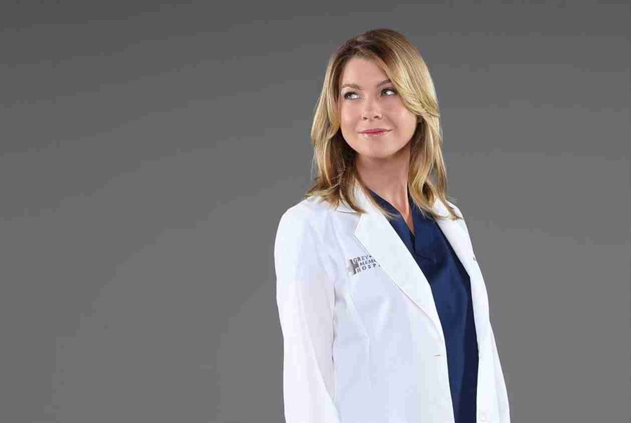 """Grey's Anatomy: Ellen Pompeo Poses With Mer's """"Sister From Another Mister"""" (PHOTO)"""