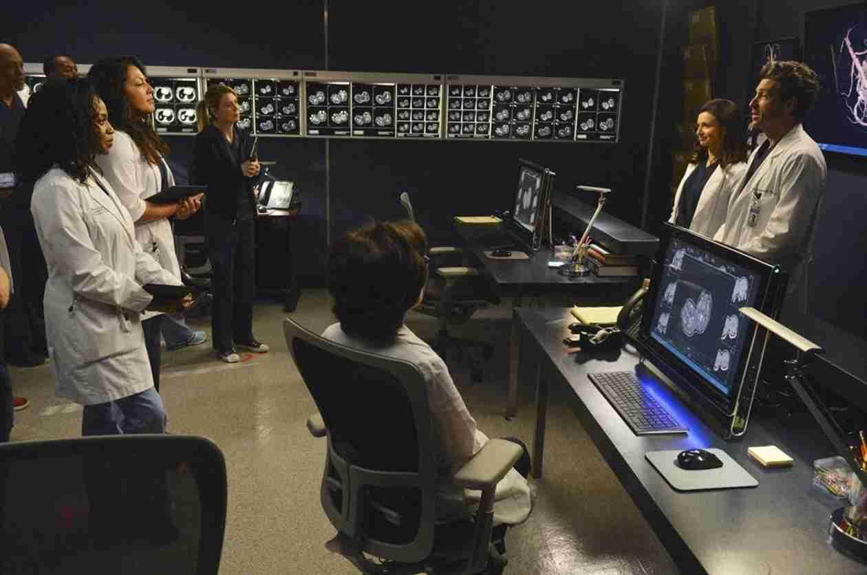 Grey's Anatomy Spoiler: Amelia Has to Keep Richard's Secrets in Season 11