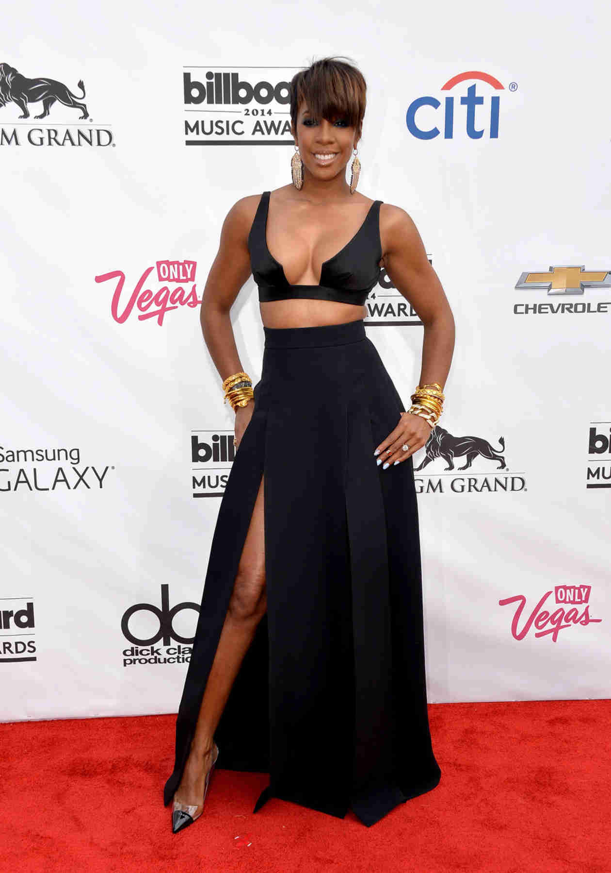 Pregnant Kelly Rowland Dishes on Her Mother-to-Be Fashion and Cravings