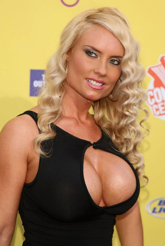 """Coco Austin """"Slings"""" a Swimsuit Selfie — She Might As Well Be Nude! (NSFW PHOTO)"""