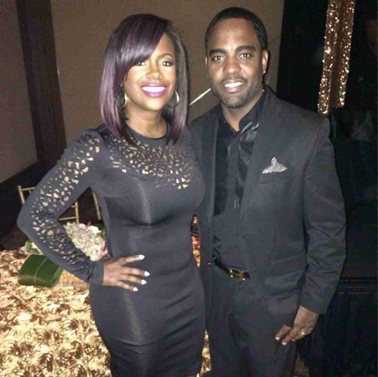 Watch Kandi Burruss Serenade Todd Tucker (VIDEO)