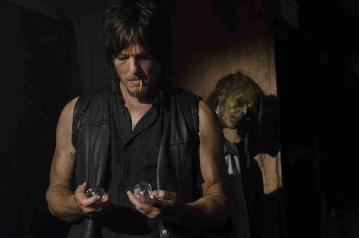 """Scott Gimple: Daryl Dixon's Sexuality """"Not Really Addressed"""" in Walking Dead Season 5"""