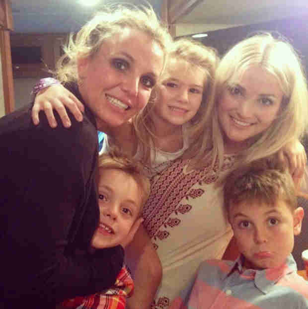 Britney Spears Shares a Family Selfie Following News of Her Break Up! (PHOTO)