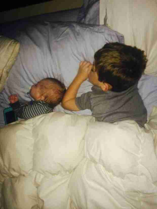 Jenelle Evans's Boys Kaiser and Jace Are Twining While They Sleep (PHOTO)