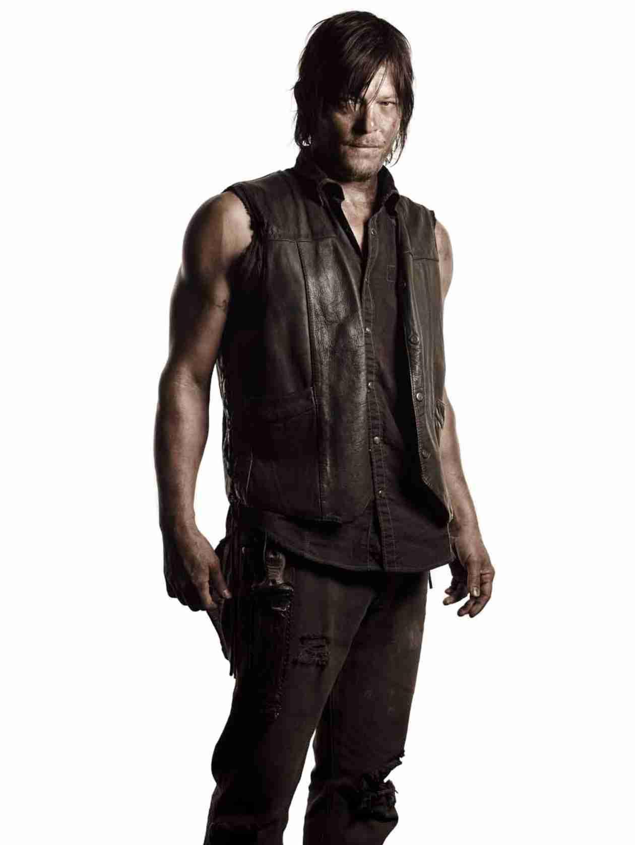 Daryl Dixon Takes Aim in New Walking Dead Season 5 Photos