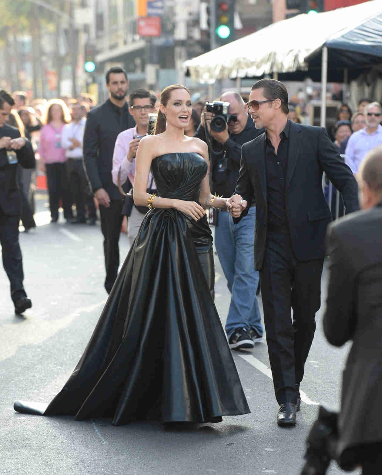 Angelina Jolie and Brad Pitt Set Off On Their Working Honeymoon to Malta (VIDEO)