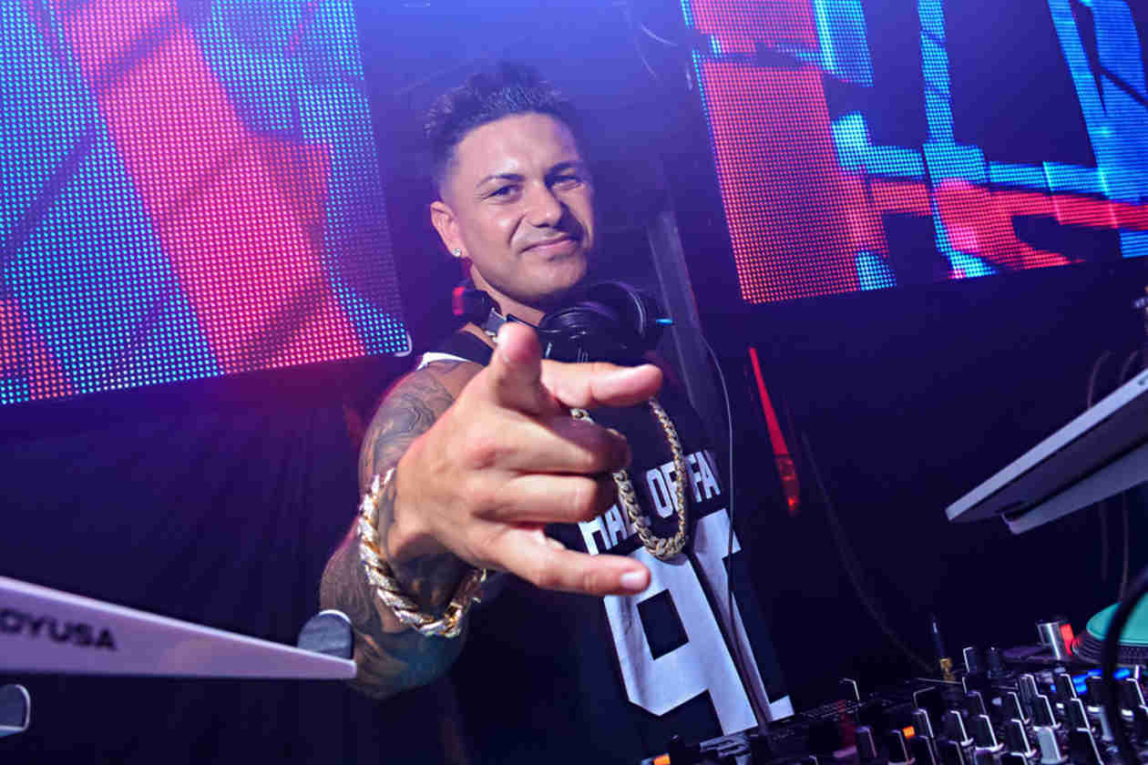 """Pauly D Releases New Single """"No Tomorrow"""" — Hear It Now! (VIDEO)"""