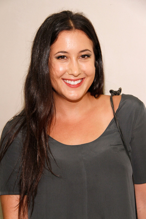 Pregnant Vanessa Carlton: Her Baby Bump Is Getting So Big! (PHOTO)