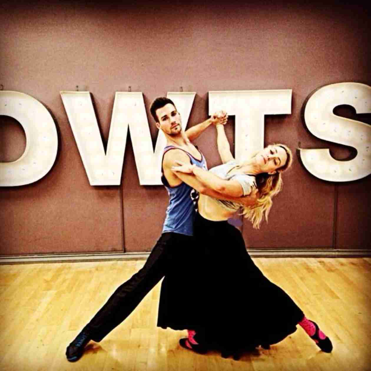"Peta Murgatroyd Talks James Maslow Chemistry: ""I Would Never Fake a Romance"""