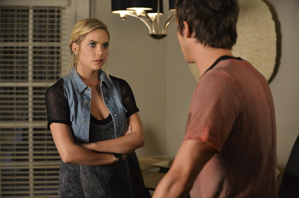 "Who Is ""A""? Our Top 3 Suspects From the Pretty Little Liars Season 5, Episode 15"