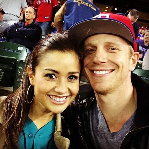 w630_Catherine-and-Sean-Lowe-at-a-Ball-Game-in-April-2014-1397856736