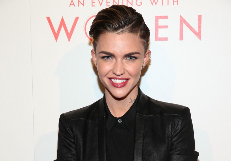 The L.A. Gay & Lesbian Center's 2014 An Evening With Women (AEWW) – Arrivals