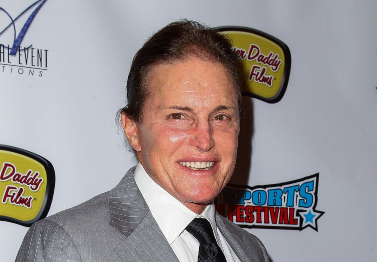 Bruce Jenner seen still wearing wedding ring post-divorce from Kris Jenner