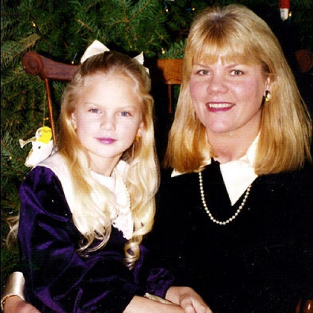 Taylor Swift s Sweetest Taylor Swift Family Pictures