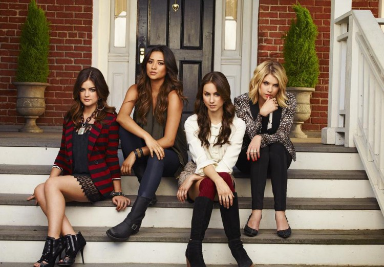 The Liars in Season 4 Promo Photo