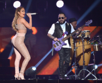 Jennifer Lopez Honors Selena at Latin Billboard