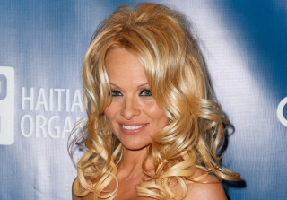 "Pamela Anderson 2nd Annual Sean Penn & Friends ""Help Haiti Home"" Presented By Giorgio Armani To Benefit J/P HRO - Arrivals"