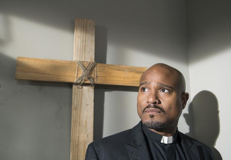 Father Gabriel in The Walking Dead Season 5.