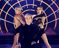 DWTS Julianne, Riker and Allison