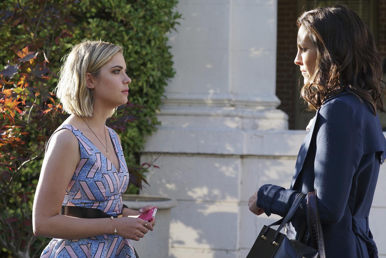 "pretty little liars spoiler photos: season 6, episode 3, ""songs of"