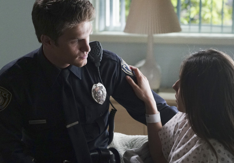 Toby on Pretty Little Liars Season 6, Episode 2