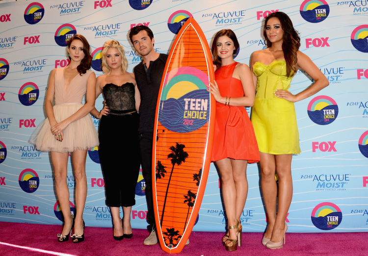 Pretty Little Liars Cast at Teen Choice Awards 2012 - Press Room