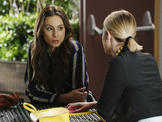 Spencer and Hanna Talk on Pretty Little Liars Season 6, Episode 5