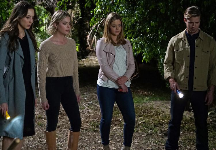 Jason, Ali, Spencer, and Hann on Pretty Little Liars Season 6, Episode 4