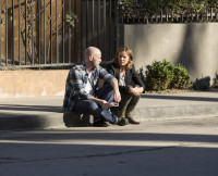 Fear the Walking Dead Pilot: Director Dave Erickson and Kim Dickens  on Set
