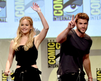 071015-jennifer-lawrence-liam-hemsworth