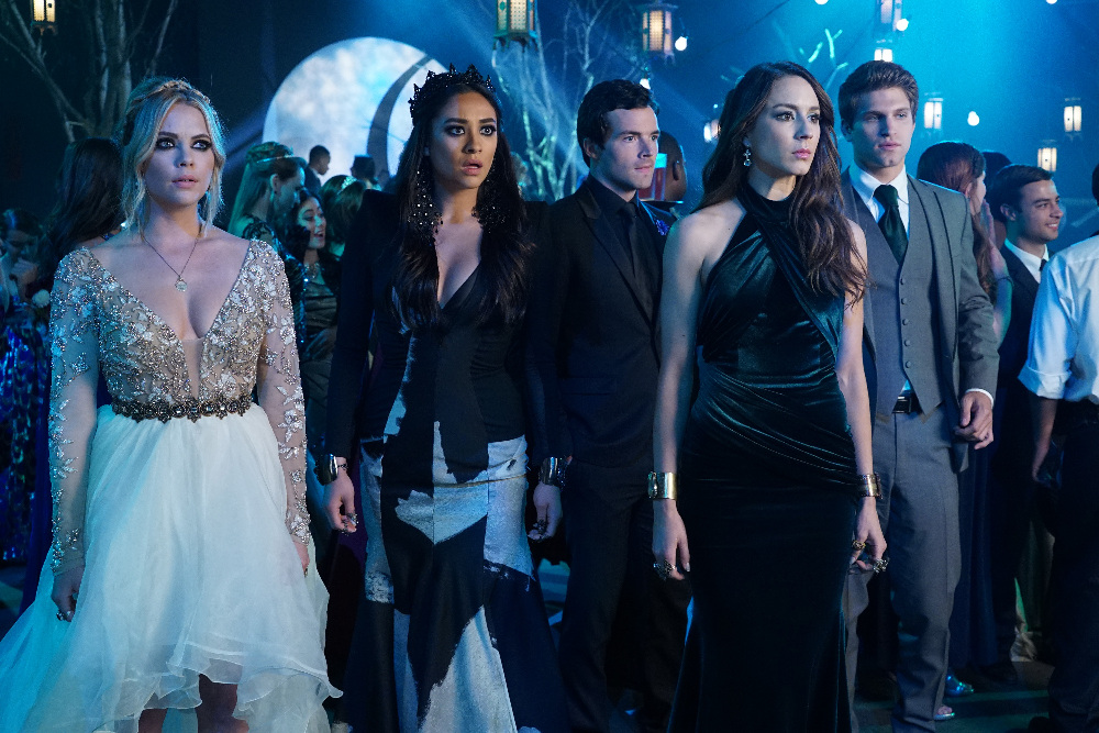 The Liars Are Worried on on Pretty Little Liars Season 6, Episode 9