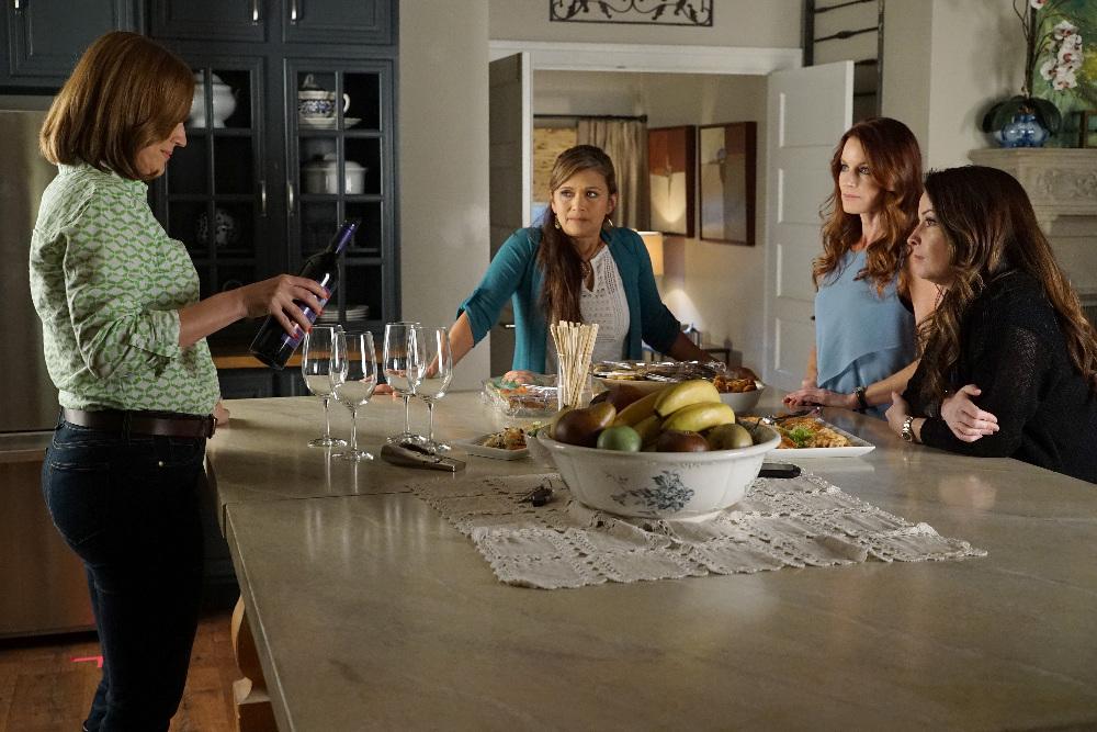 The Moms on on Pretty Little Liars Season 6, Episode 9