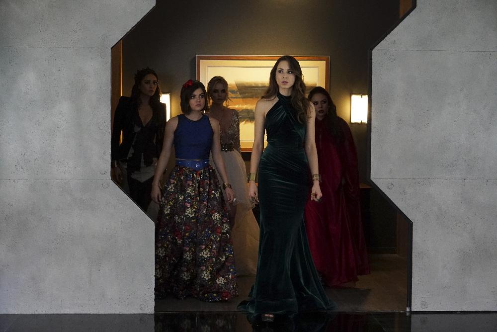 Pretty Little Liars Season 6 Finale: Bunkers