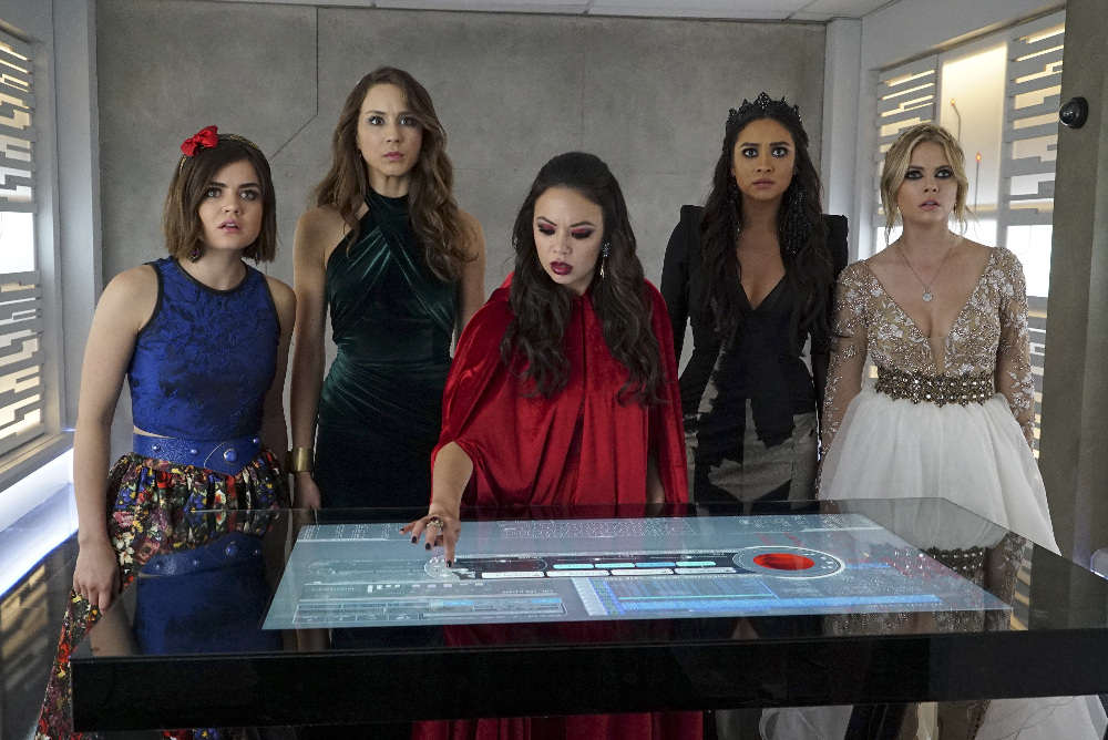 "'Pretty Little Liars' Summer Finale Recap: ""A"" Is Revealed"